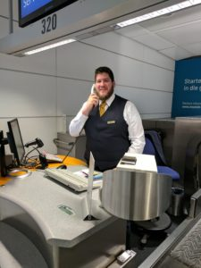Happy Traveler: Why I Fly United Airlines